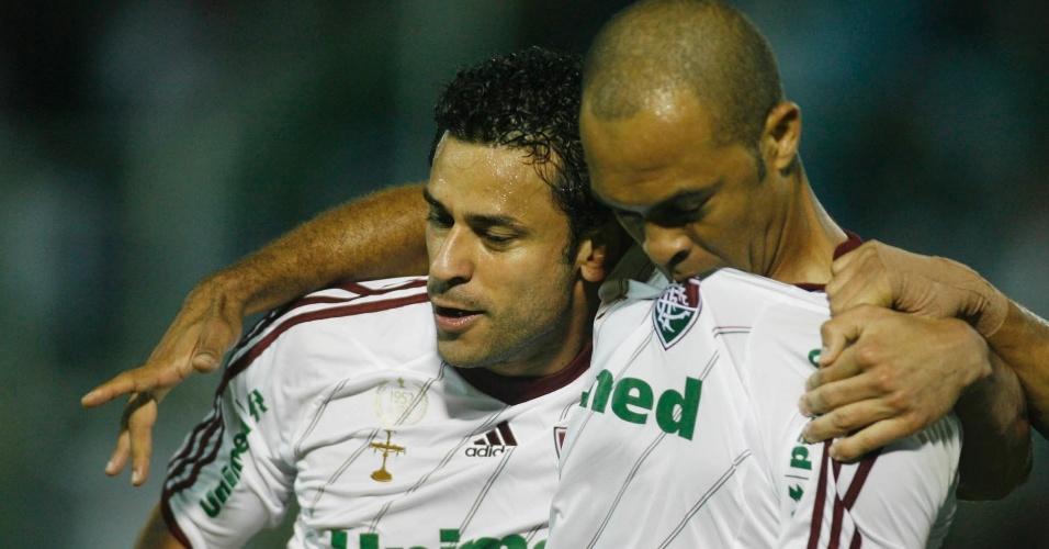 Fred (esq.) e Leandro Euzébio marcaram os dois gols do primeiro tempo na partida entre Fluminense e Náutico