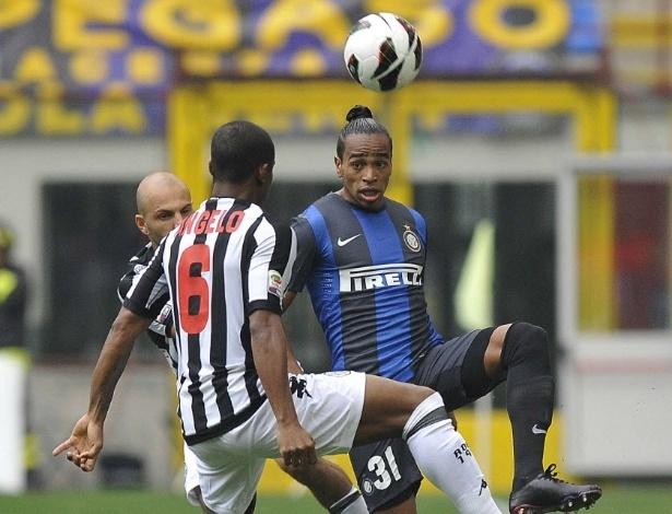 Daniel Alvaro (dir), da Inter de Milão, disputa a bola com Mariano Angelo, do Siena
