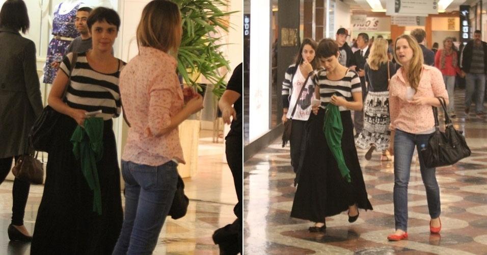 Débora Fallabela e Fernanda Rodrigues fazem compras em shopping, no Rio de Janeiro (23/9/12)