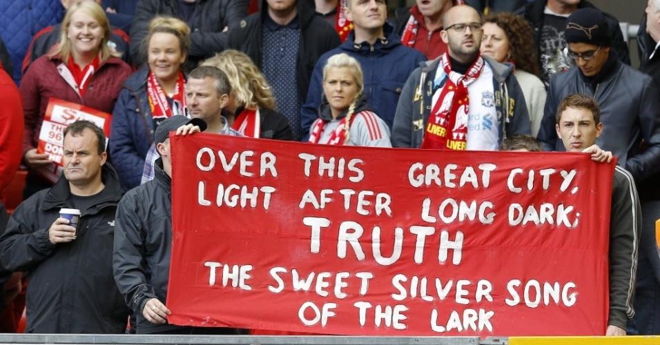 Torcida do Liverpool relembra tragédia do estádio de Hillsborough em 1989