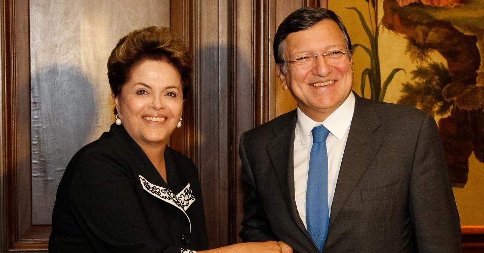 24.set.2012 - A presidente Dilma Rousseff e o presidente da Comissão Europeia, José Manuel Durão Barroso, durante encontro em Nova York, nesta segunda-feira