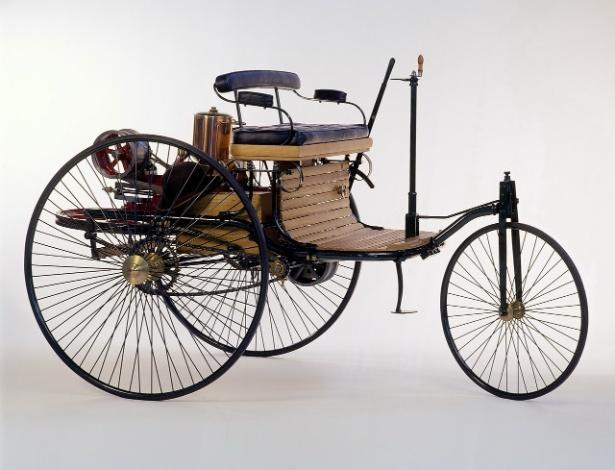 Model 1, um dos primeiros carros de Karl Benz e Gottlieb Daimler, tinha alavanca para comandar a direção - Divulgação