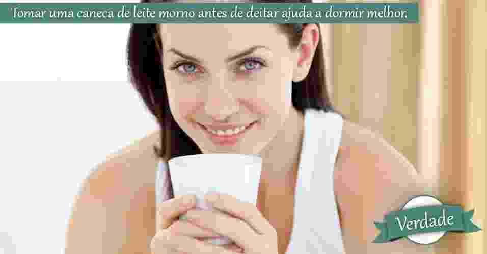 Mulher bebendo leite - Thinkstock