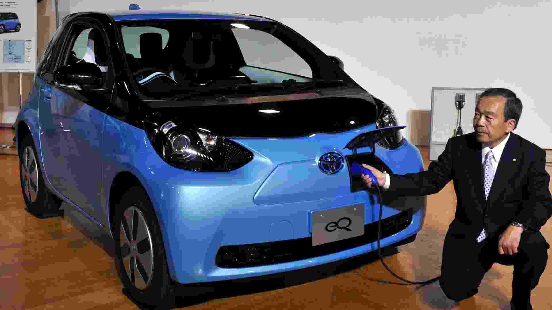 Toyota iQ EV, elétrico, promete autonomia de 85 km com desempenho de carro 1.0 - Yoshikazu Tsuno/AFP