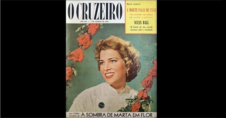 """1954 - A revista """"O Cruzeiro"""" traz na capa a Miss Bahia, Marta Rocha, eleita Miss Brasil 1954. A baiana ficou em segundo lugar no Miss Universo"""