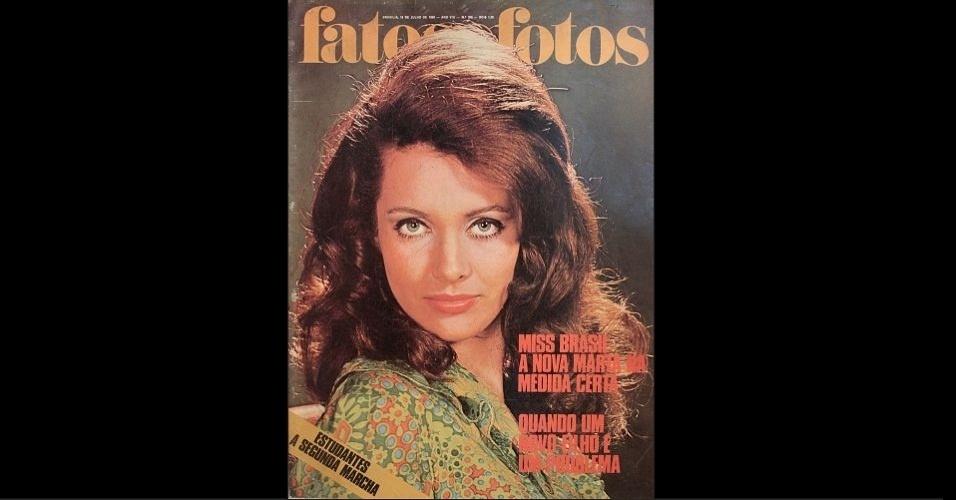"""1968 - O segundo título! """"Fatos e Fotos"""" traz Martha Vasconcellos, coroada Miss Universo 1968. A baiana foi a segunda brasileira a vencer o concurso mundial"""