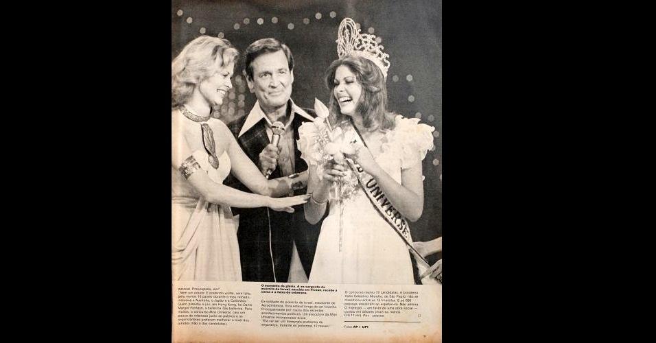 1976 - Revista traz foto do momento da premiação da Miss Israel, Rina Messinger, como Miss Universo 1976