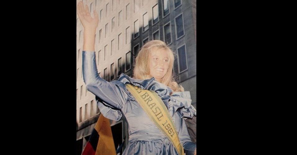 1981 - Revista traz foto da Miss Rio de Janeiro, Adriana Oliveira, eleita Miss Brasil 1981