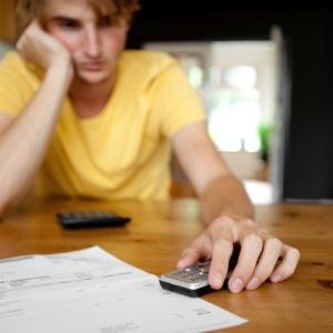 87% dos consumidores contratam o plano errado de telefonia na operadora - Think Stock