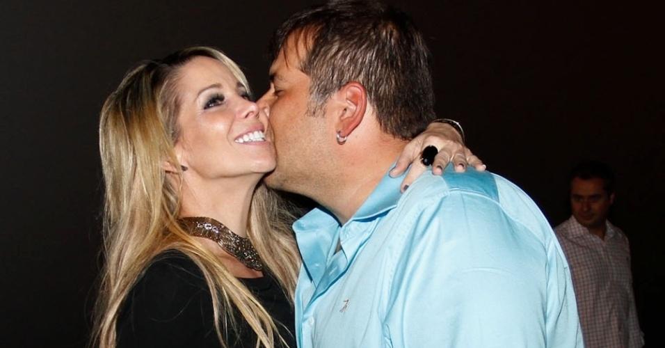 Danielle Winits e Leandro Hassum durante a pré-estreia da comédia