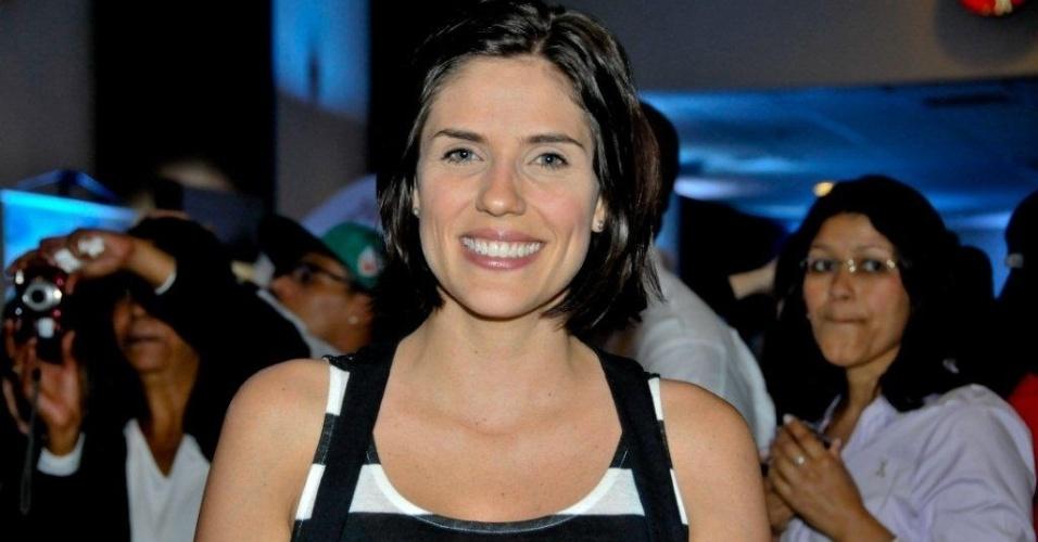 Rafaela Mandelli prestigiou a pré-estreia da comédia