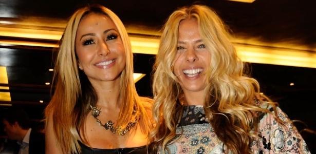 Sabrina Sato e Adriane Galisteu durante evento de lançamento da academia na Zona Oeste de São Paulo