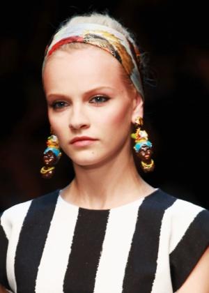 Brincos da coleção Verão 2013 da Dolce & Gabbana foram criticados por blog de moda - Getty Images