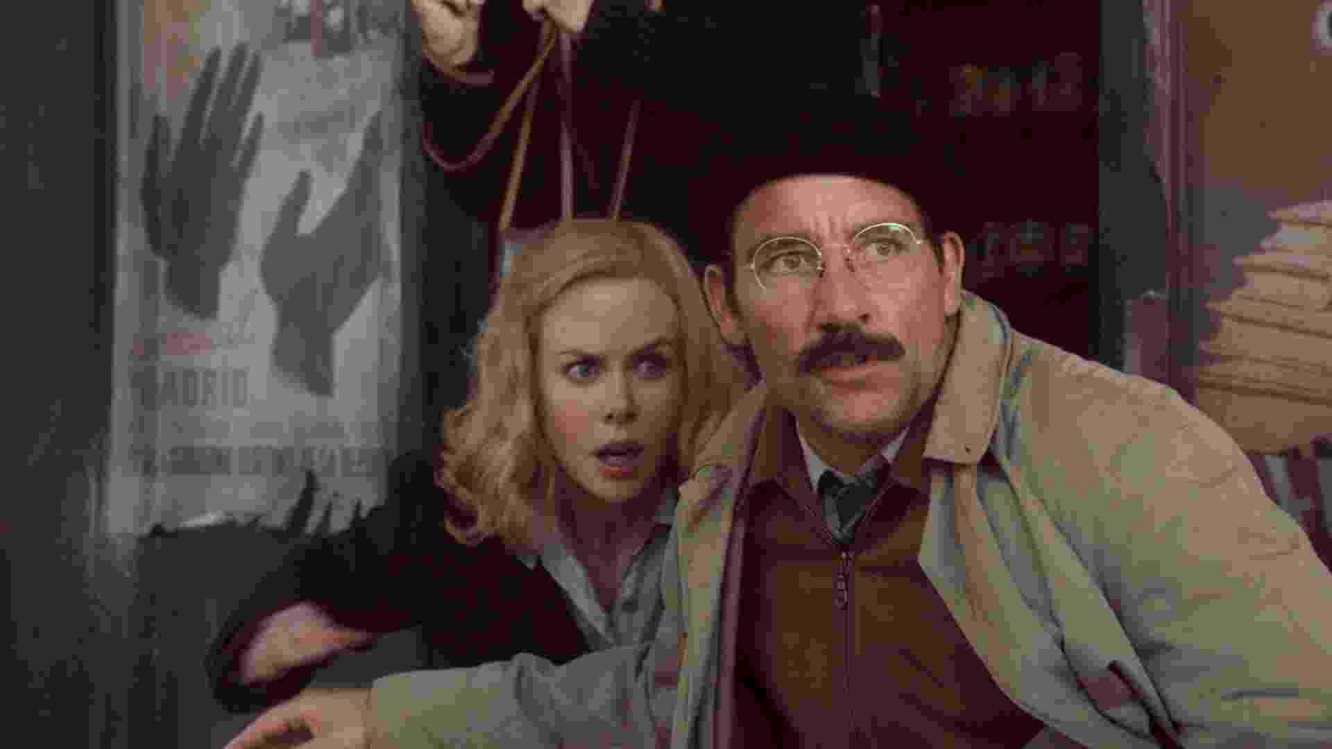 """Clive Owen e Nicole Kidman em cena de """"Hemingway & Gellhorn"""", longa que mostra o romance entre o escritor Ernest Hemingway e a correspondente da Segunda Guerra Mundial Martha Gellhorn, a mulher que o inspirou para o livro """"Por Quem os Sinos Dobram"""" - Divulgação"""
