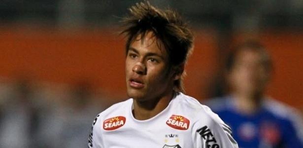 Neymar corre para comemorar após abrir o placar para o Santos na decisão da Recopa