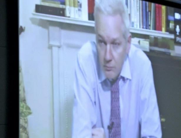 27.set.2012 - Fundador do Wikileaks, Julian Assange, participou nesta quarta-feira (26) por videoconferência de debate sobre o asilo diplomático concedido a ele pelo governo do Equador durante a Assembleia Geral da ONU, em Nova York (EUA)