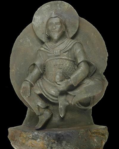 """27.set.2012 - Uma estátua budista levada do Tibete para a Alemanha em 1938 por uma equipe enviada por nazistas para buscar """"as raízes da raça ariana"""" foi esculpida há mil anos em um pedaço de meteorito, revelaram os cientistas encarregados de sua análise. A estátua batizada de """"O homem de ferro"""" pesa mais de 10 quilos e mede 24 centímetros de altura. Acredita-se que representa o deus Vaisravana, uma importante figura do budismo"""
