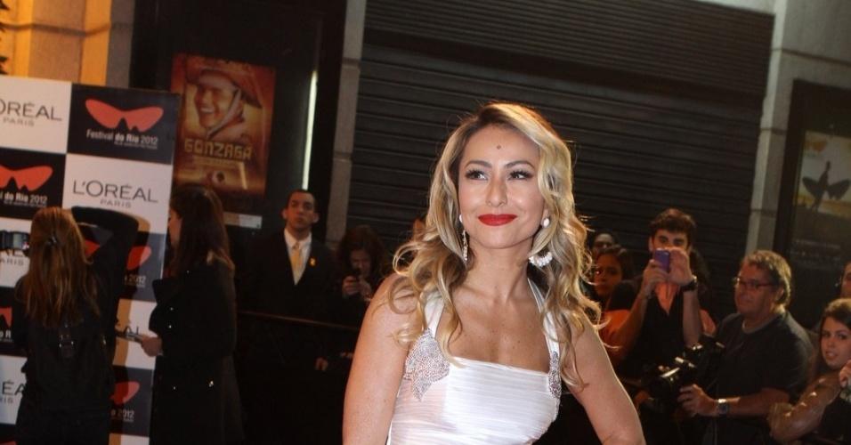 """A apresentadora Sabrina Sato prestigiou a première do filme """"Gonzaga - De Pai para Filho"""" que abriu o Festival do Rio nesta quinta, no Cine Odeon, centro da cidade (27/9/12)"""