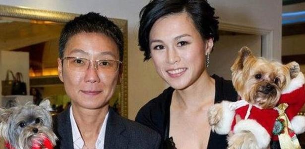 Gigi Chao (d) teria se casado com sua namorada na França, já que Hong Kong não aceita a união gay - Reprodução/Daily Telegraph