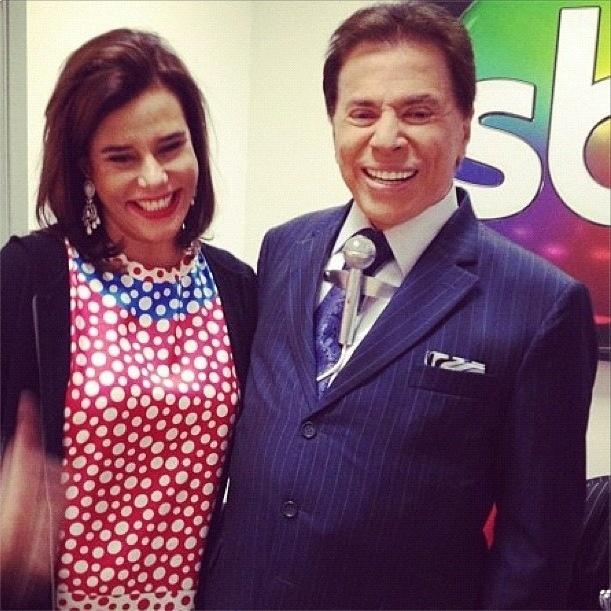 Narcisa Tamborindeguy visita o SBT, tieta o apresentador Silvio Santos e publica no Twitter: ''Ma oeeee'' (27/9/12)