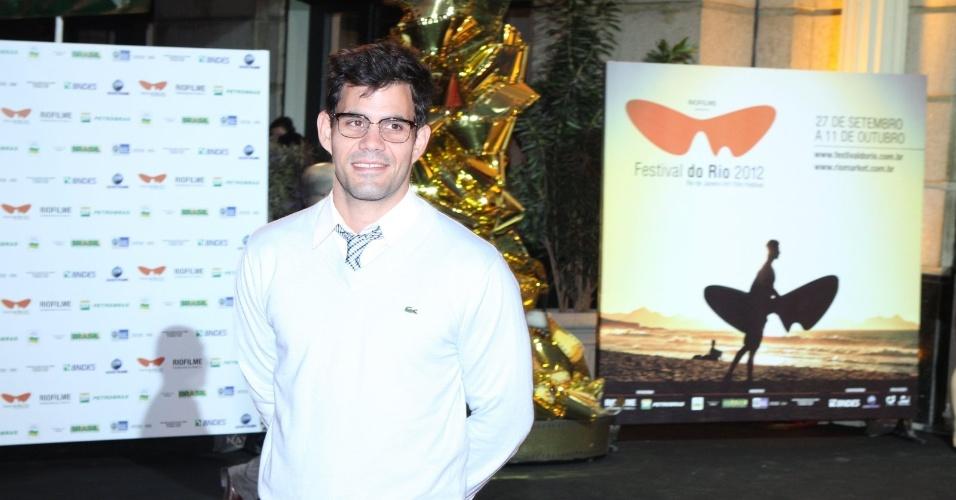 """O ator Juliano Cazarré prestigiou a première do filme """"Gonzaga - De Pai para Filho"""" que abriu o Festival do Rio nesta quinta, no Cine Odeon, centro da cidade (27/9/12)"""