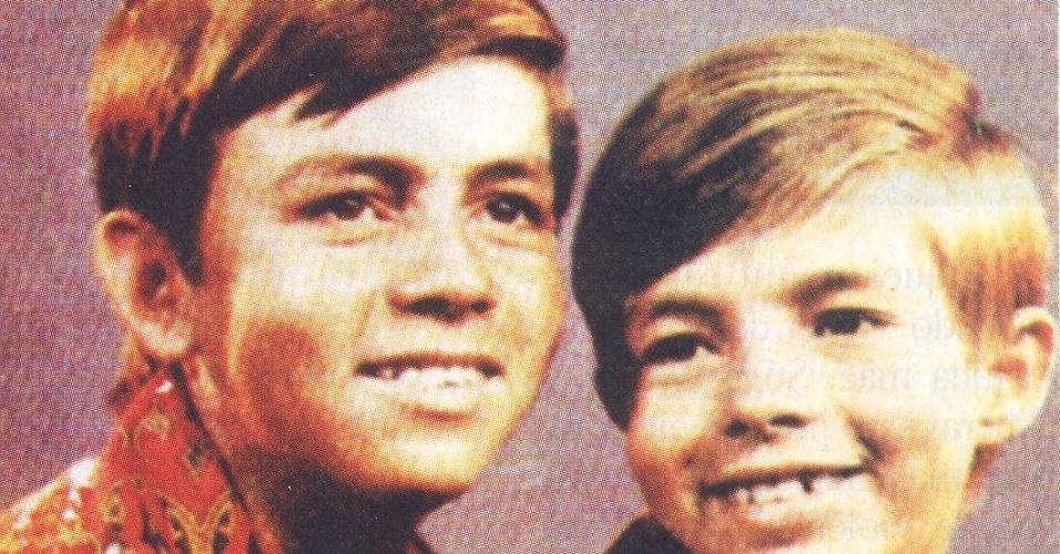 Chitãozinho e Xororó na década de 1969, quando estava começando a carreira musical