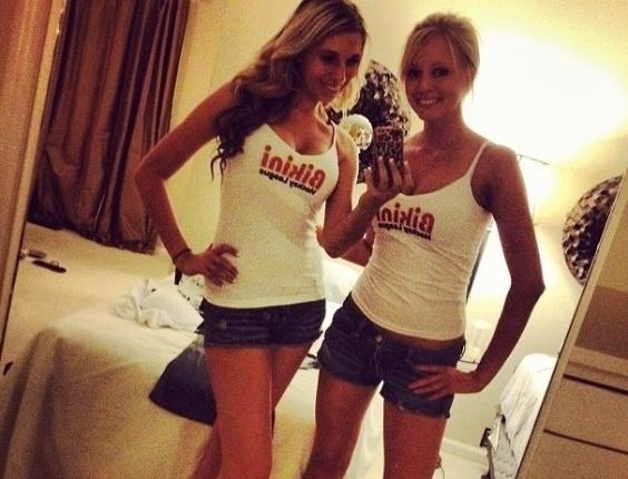 Lindas garotas exibem seus biquínis na BHL (Bikini Hockey League)