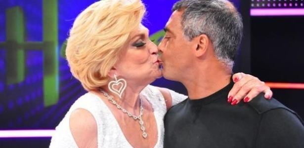 O hoje deputado federal Romário também já deu um selinho em Hebe