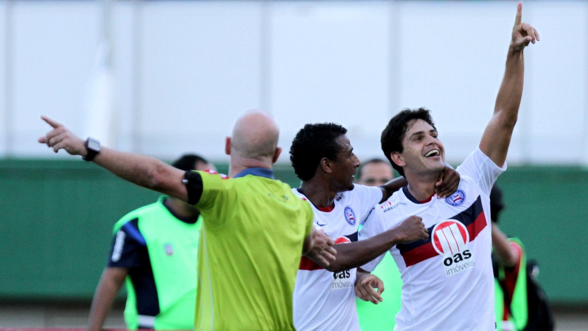 Fahel, do Bahia, comemora o gol marcado contra o Botafogo na rodada do Brasileirão