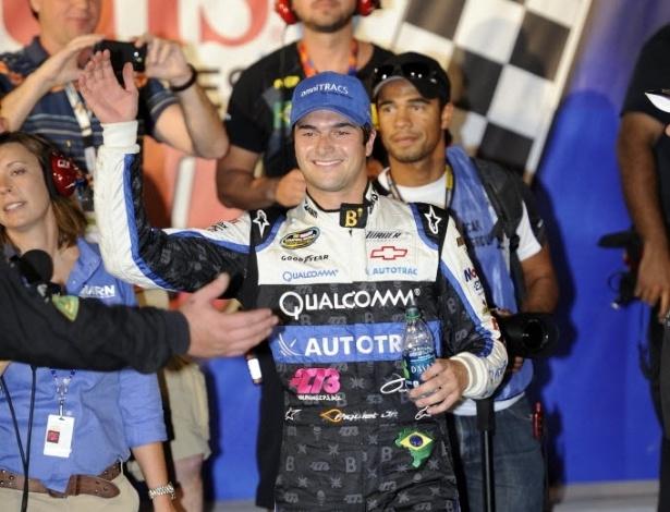 Nelsinho Piquet recebe os cumprimentos após vitória em Las Vegas