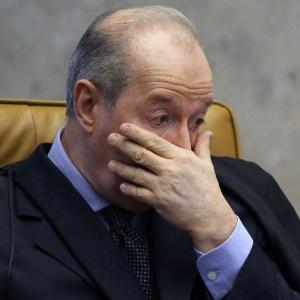 O ministro Celso de Mello acompanha a retomada do julgamento do mensalão nesta segunda - Roberto Jayme/UOL
