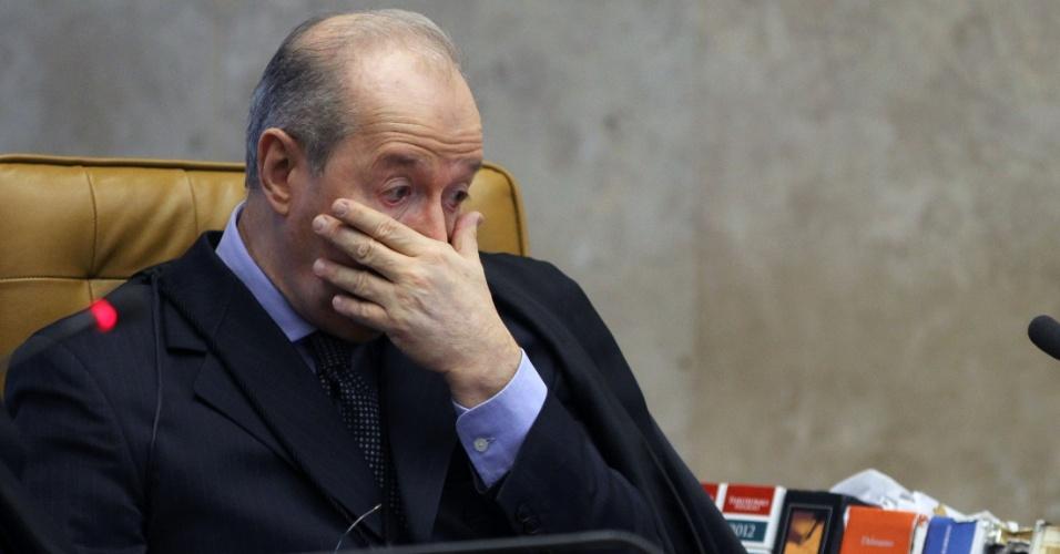 1.out.2012 - O ministro Celso de Mello acompanha a retomada do julgamento do mensalão, no STF, em Brasília