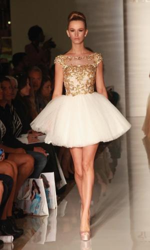 Desfile da estilista Sherri Hill na semana de moda de Nova York Primavera/Verão 2013 (07/09/2012)
