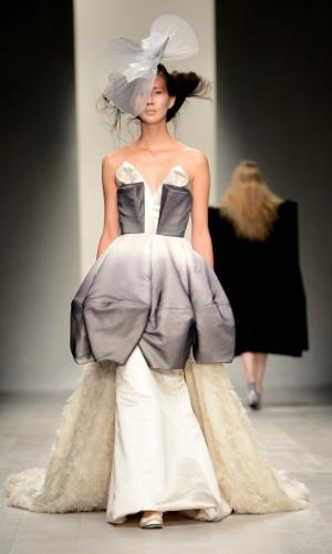 Desfile de Corrie Nielsen da semana de moda de Londres (14/09/2012)