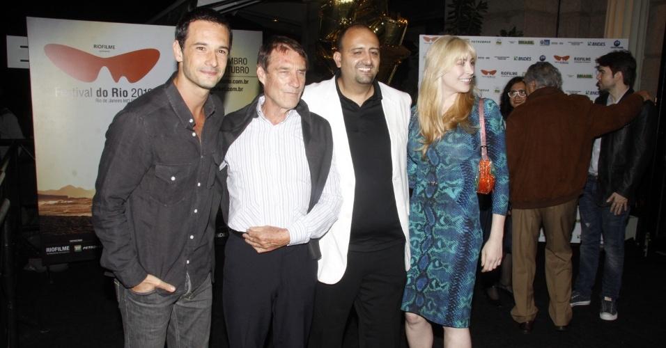 """Equipe do filme """"Encontrarás Dragões: Segredos da Paixão"""" (30/9/12)"""