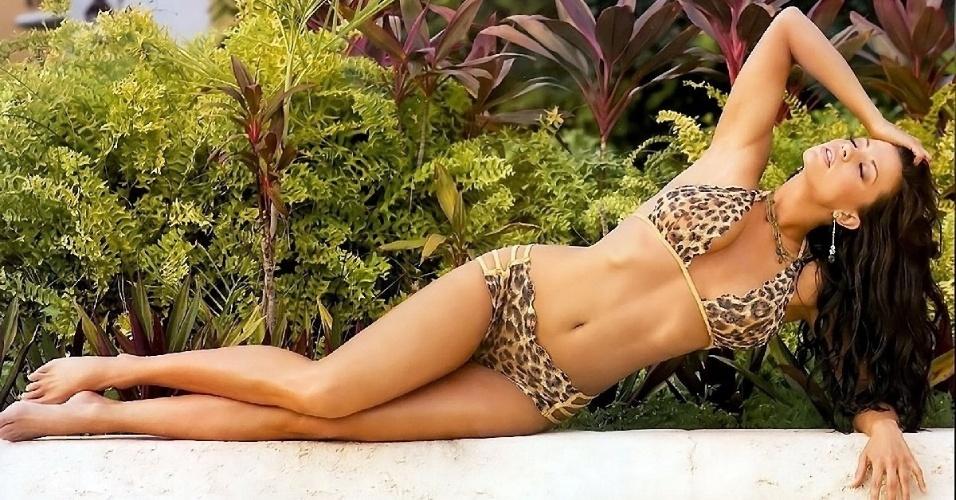 Ex-atriz de filmes adultos, Candice Michelle aparece em sites com vídeos de seu passado