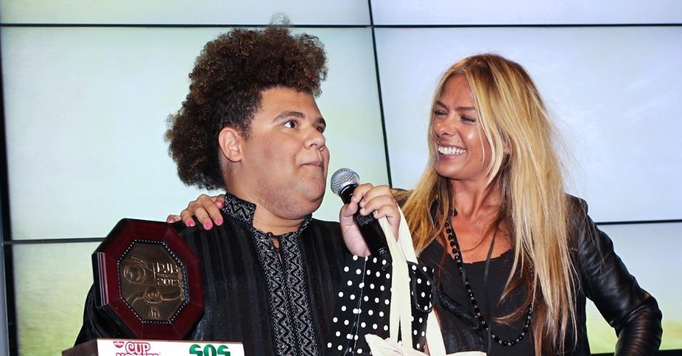Gominho recebe prêmio durante o 11º Prêmio Jovem Brasileiro no Memorial da América Latina, em São Paulo. O prêmio homenageia os jovens talentos brasileiros em 21 categorias, concedido após votação de júri composto por jornalistas, colunistas, críticos e por votação na internet (1/10/12)