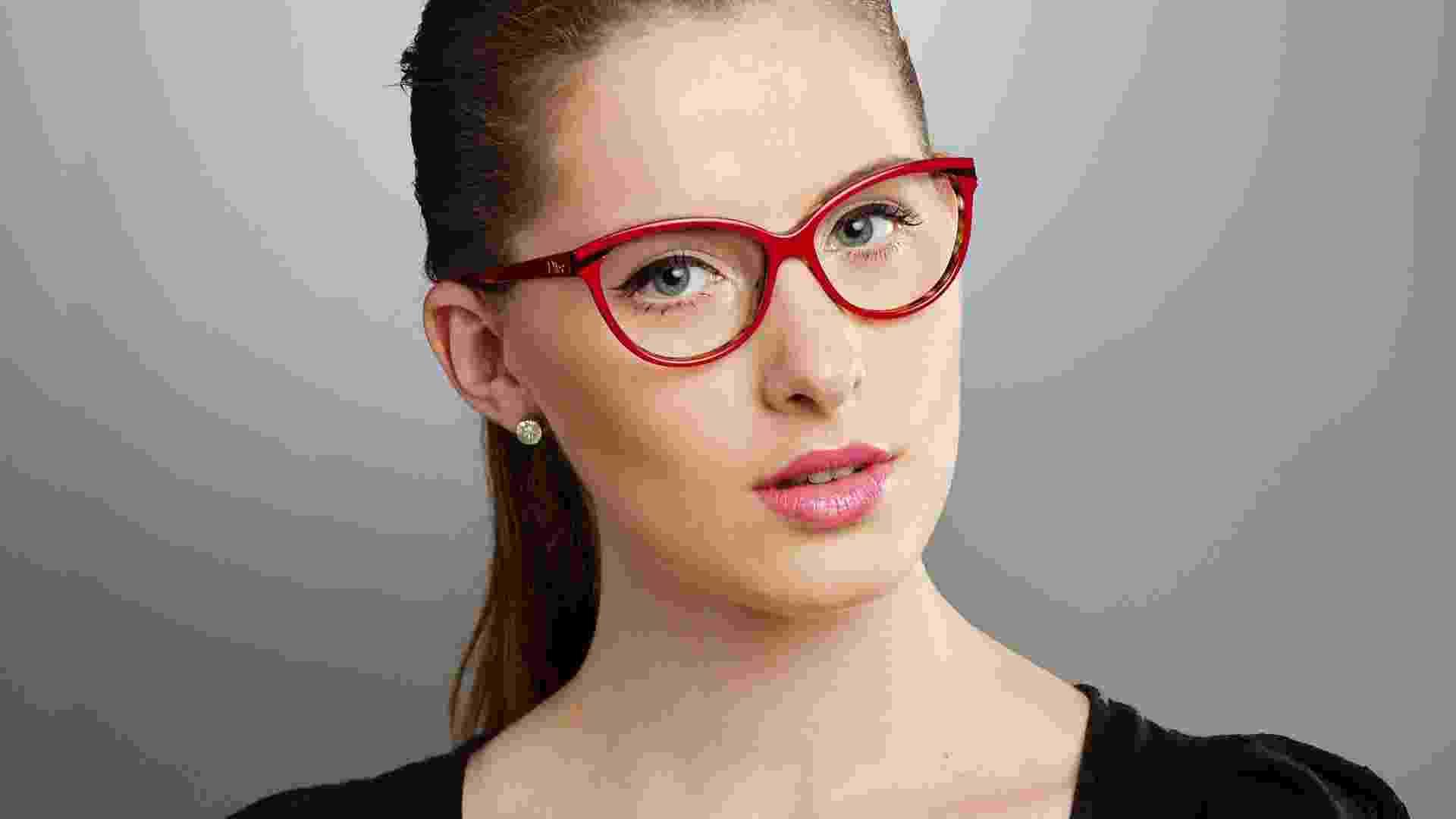 Maquiagem para quem usa óculos - look 3 - Ana Lima/UOL