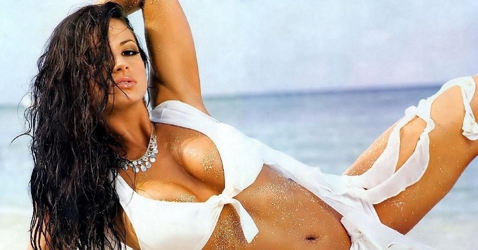 Por conta do passado como atriz, Candice Michelle virou sensação no mundo das lutas