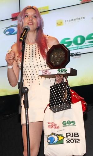 A apresentadora MariMoon recebe prêmio durante o 11º Prêmio Jovem Brasileiro no Memorial da América Latina, em São Paulo. O prêmio homenageia os jovens talentos brasileiros em 21 categorias, concedido após votação de júri composto por jornalistas, colunistas, críticos e por votação na internet (1/10/12)