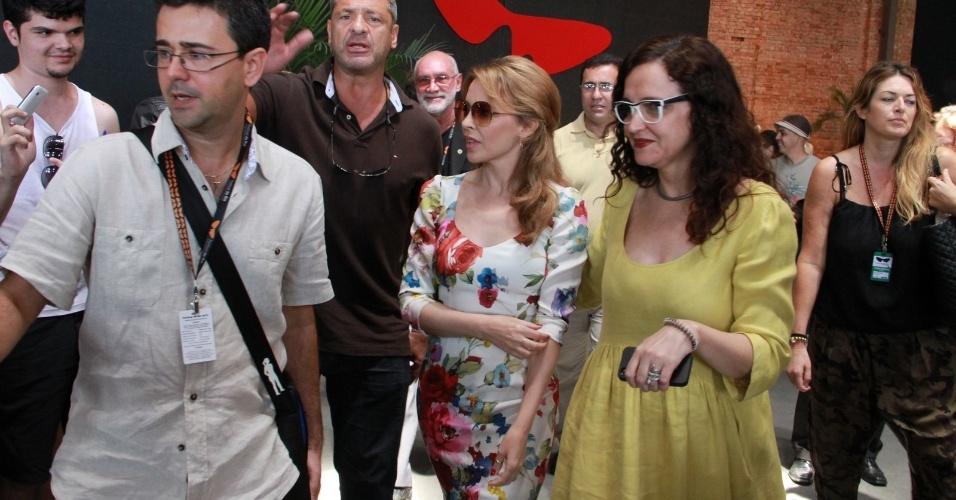 Kylie Minogue chega para coletiva de imprensa no Festival do Rio (2/10/12)