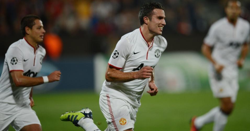 Robin van Persie comemora após marcar pelo Manchester United contra o Cluj