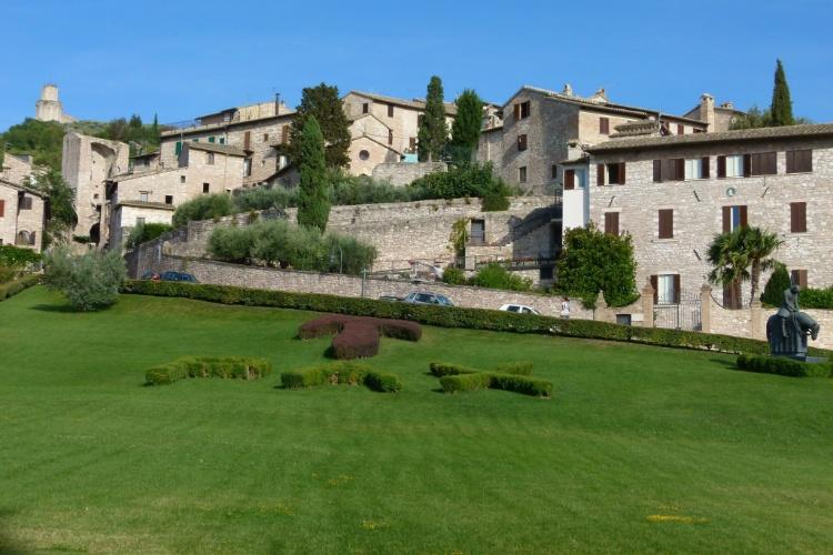 Berço de São Francisco, Assis é uma cidade medieval da região da Umbria, na Itália
