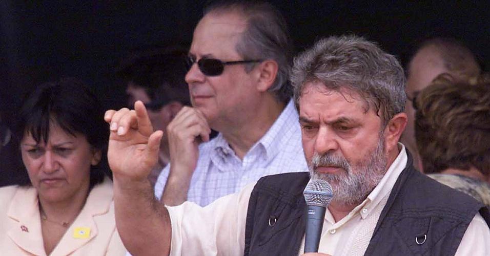 Em 2003, o presidente da República Luiz Inácio Lula da Silva visita fazenda no Rio Grande do Norte acompanhado do então ministro José Dirceu