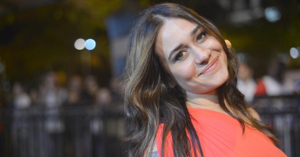 """A atriz Alessandra Negrini prestigiou a première do filme """"O Gorila"""" no Cine Odeon, centro do Rio (4/10/12)"""