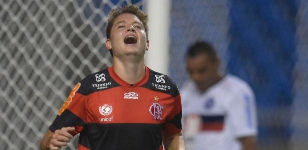 Adryan atua pelo Flamengo em 2012: jovem pode garantir bom lucro ao clube