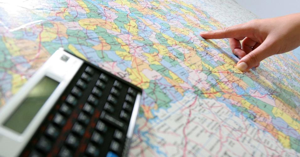 Organizar viagem; mapa; calculadora; turismo, intercâmbio