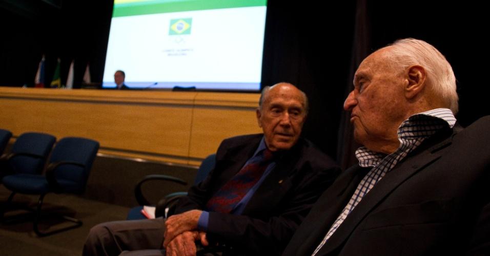 André Richer, vice-presidente do COB, ao lado de João Havelange na apuração da eleição de Nuzman