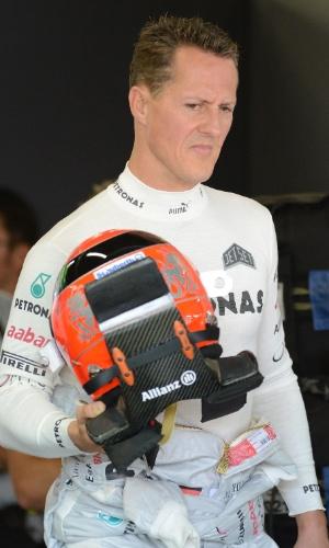 Após anunciar aposentadoria, Michael Schumacher chega ao circuito de Suzuka