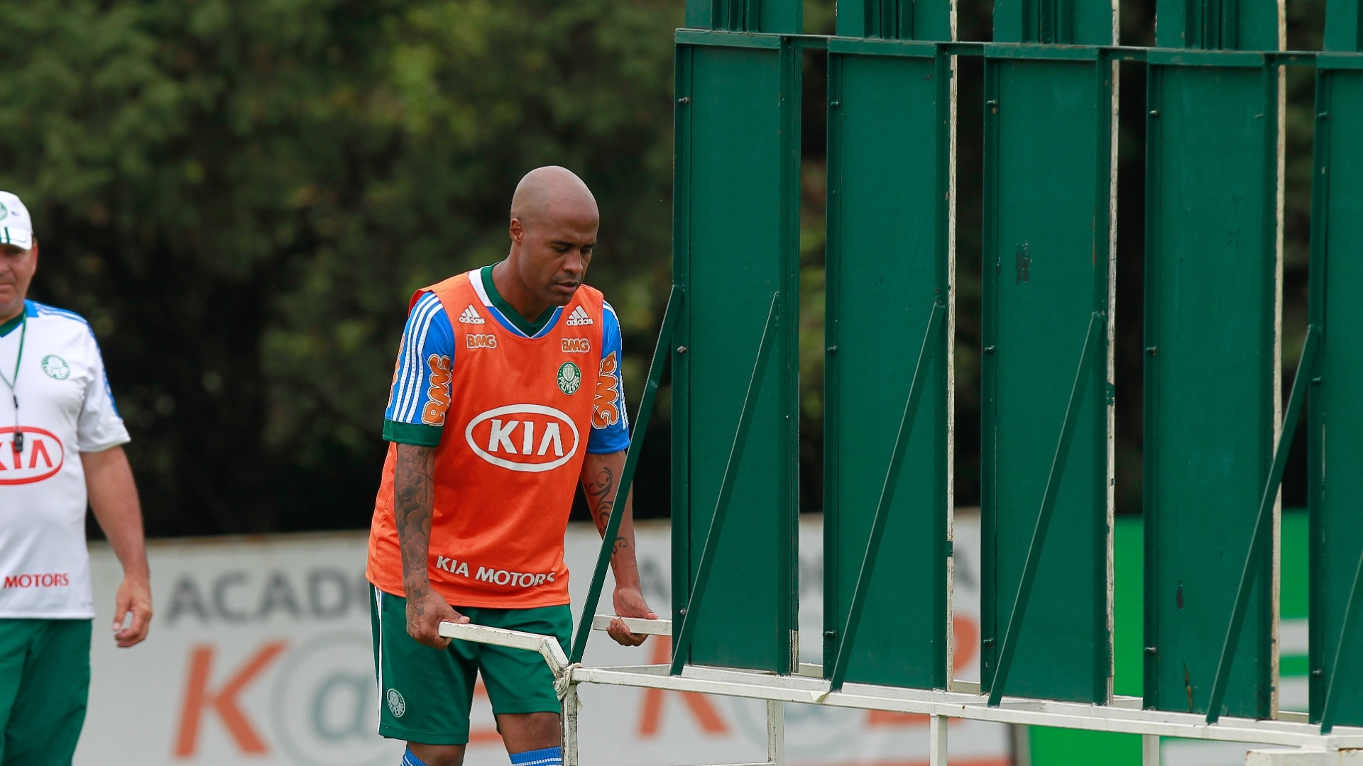 Assunção prepara barreira para treinar a sua especialidade: faltas